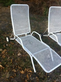 vintage pair mid century eames era modern iron chaise lounge patio lawn chair ebay. Black Bedroom Furniture Sets. Home Design Ideas